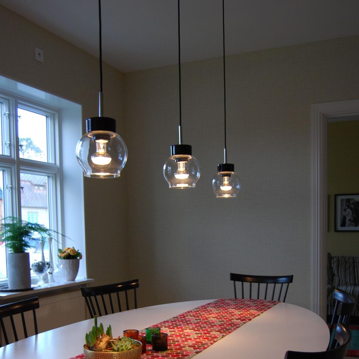 sobre et intemporelle suspension en c ramique et en verre nombreuses options disponibles pour. Black Bedroom Furniture Sets. Home Design Ideas