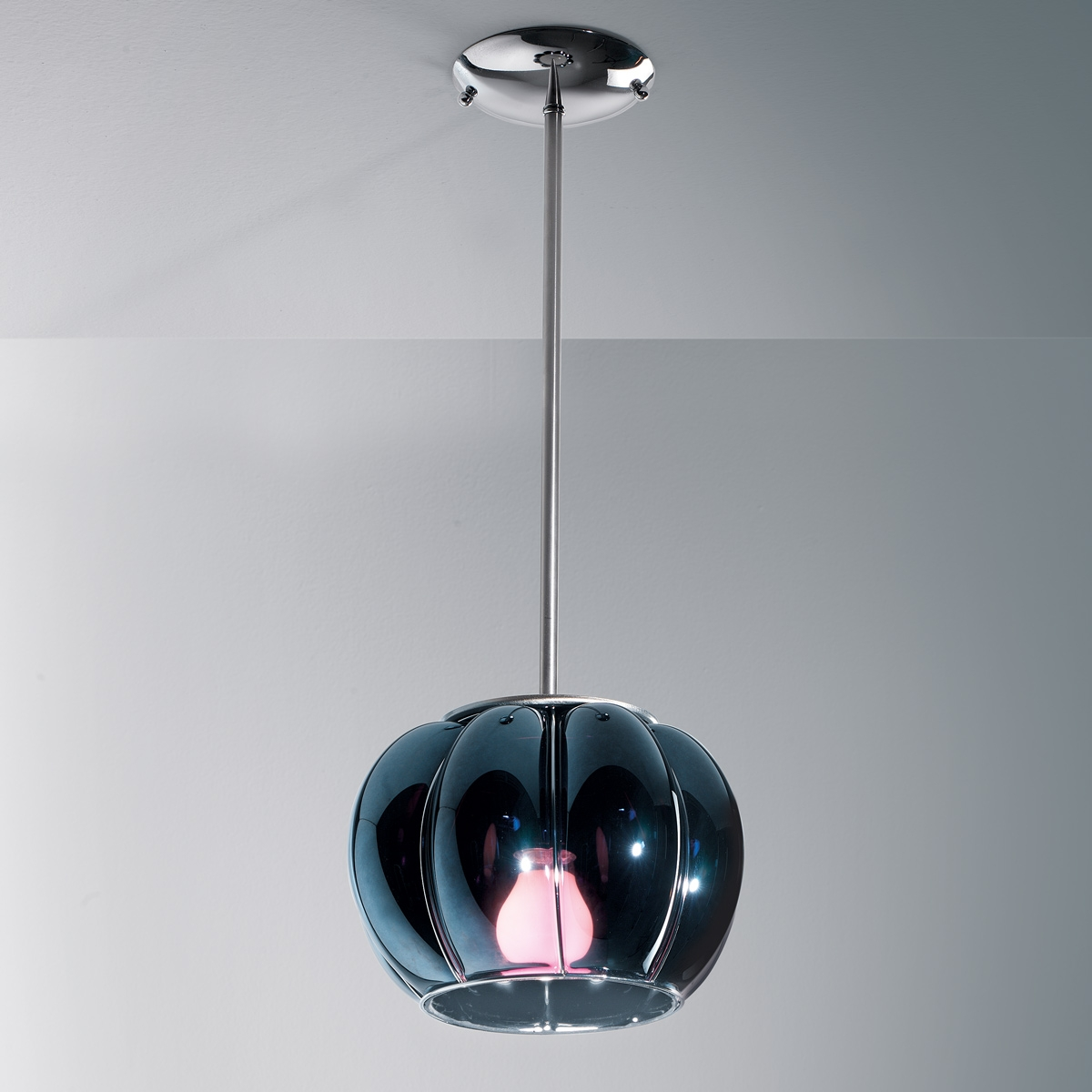 suspension bomb e en verre souffl de murano. Black Bedroom Furniture Sets. Home Design Ideas