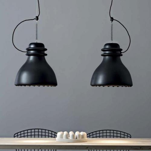 Suspensions avec abat-jour finition noir mat, avec câble de couleur noir