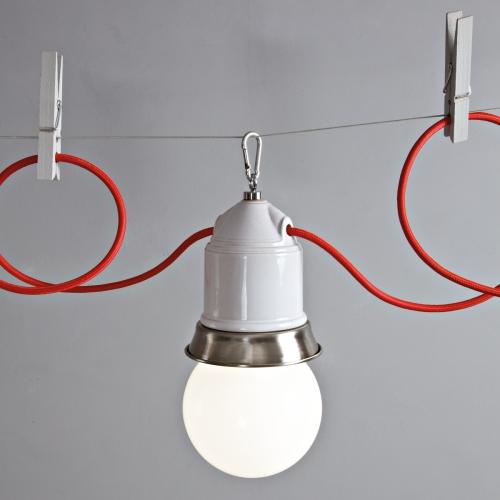 """Suspension multiple de couleur gris """" Perle """", avec anneau en laiton avec finition nickel satiné et câble textile rouge"""