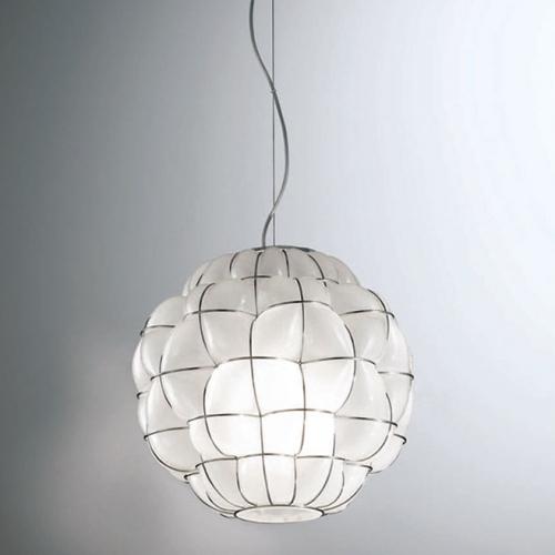 Suspension sphère en verre soufflé de Murano avec verre blanc opaque
